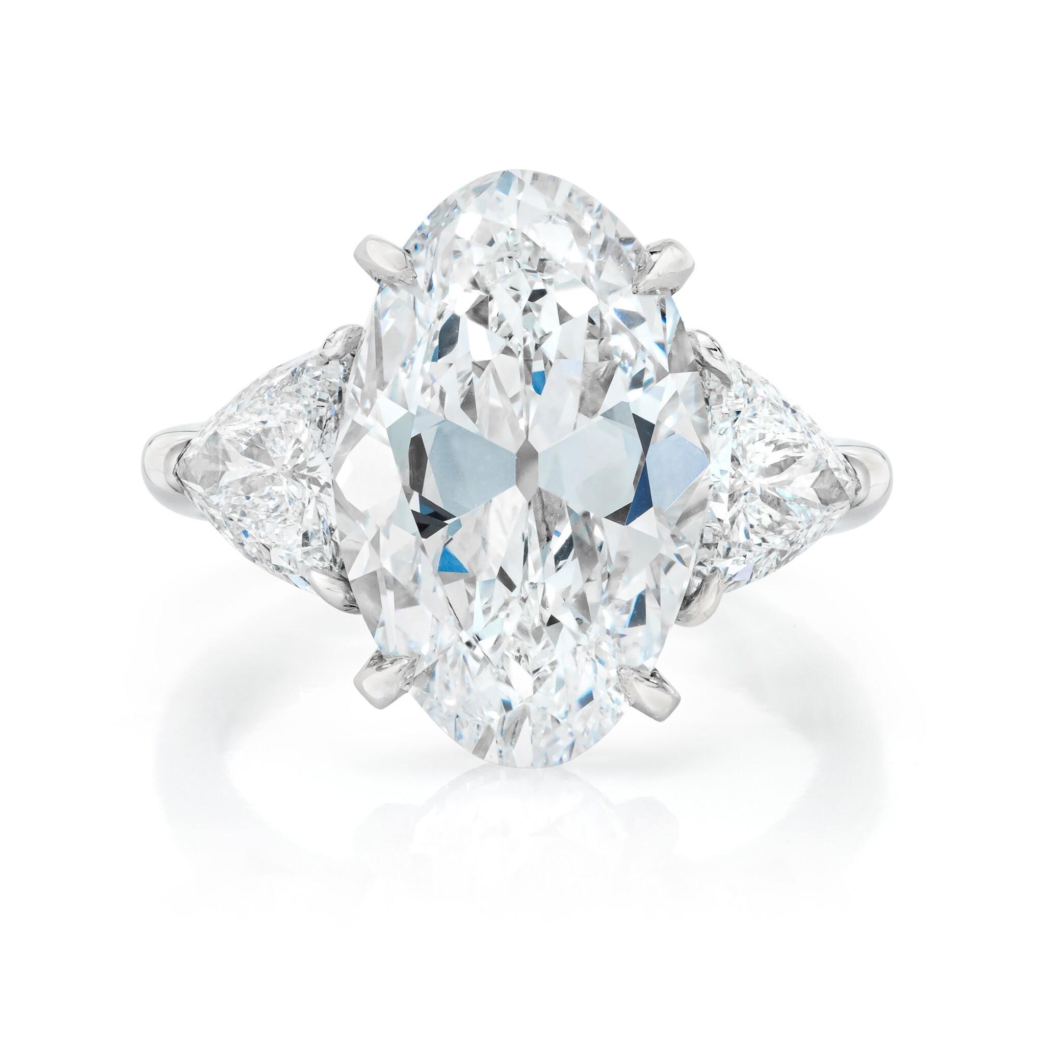 View full screen - View 1 of Lot 15. Diamond Ring.