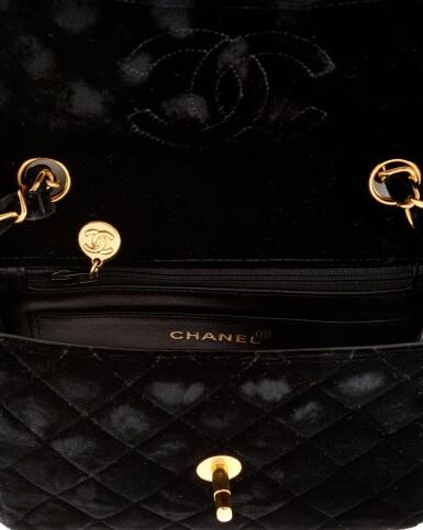 BLACK VELVET AND GOLD-TONE METAL CLASSIC SHOULDER BAG, CHANEL