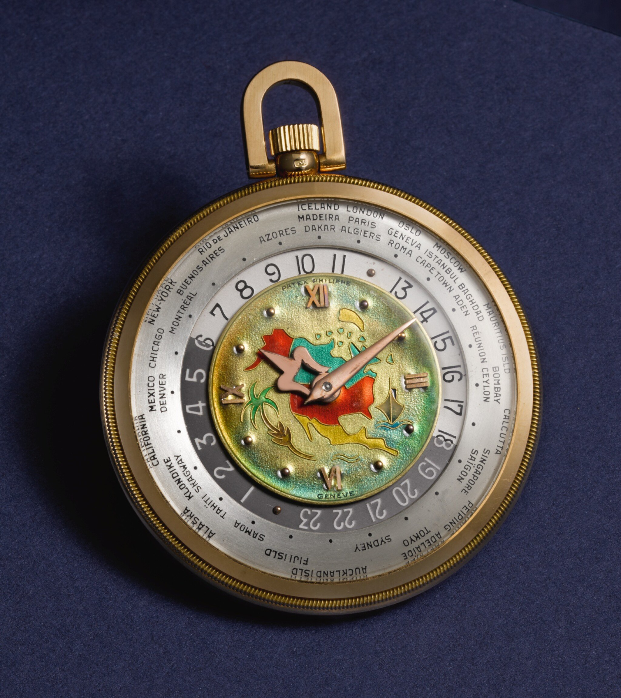 View full screen - View 1 of Lot 126. PATEK PHILIPPE & CO., GENÈVE [百達翡麗,日內瓦] | AN EXTREMELY FINE AND RARE PINK GOLD OPEN-FACED KEYLESS LEVER WORLD TIME WATCH WITH CLOISONNÉ ENAMEL MAP OF NORTH AMERICA 1948, REF. 605 HU, MOVEMENT NO. 930.864, CASE NO. 654.949 [605HU型號極罕有粉紅金世界時間懷錶飾掐絲琺瑯彩繪北美洲地圖,1948年製,機芯編號930.864,錶殼編號654.949].