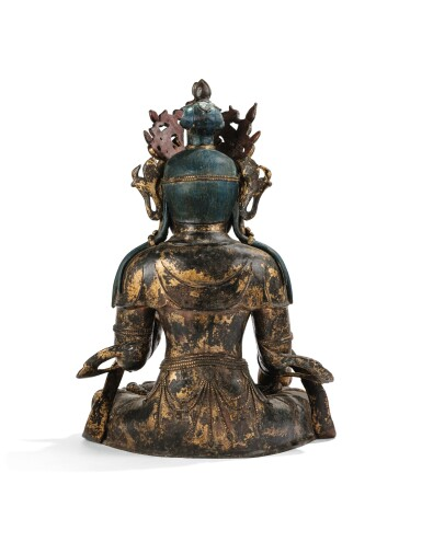 View 4. Thumbnail of Lot 182. A LARGE GILT-LACQUERED BRONZE FIGURE OF AVALOKITESHVARA MING DYNASTY, 15TH/16TH CENTURY | 明十五/十六世紀 漆金銅觀音菩薩坐像.