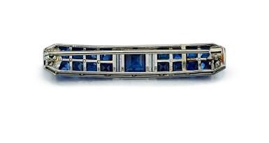 View 3. Thumbnail of Lot 9165.  ART DECO SAPPHIRE AND DIAMOND BAR BROOCH, CARTIER | Art Deco 藍寶石 配 鑽石 別針, 卡地亞(Cartier).