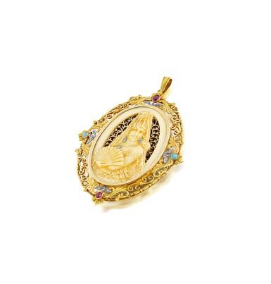 View 3. Thumbnail of Lot 22. Pendentif ivoire, corne, pierres de couleur et diamants   Ivory, horn, gem set and diamond pendant.