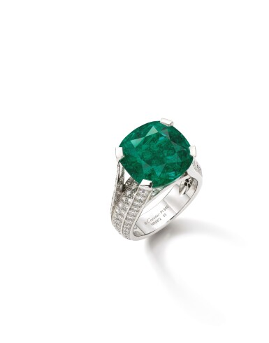 View 2. Thumbnail of Lot 1736. Cartier   Emerald and Diamond Ring   卡地亞   12.16克拉 天然「哥倫比亞」祖母綠 配 鑽石 戒指.