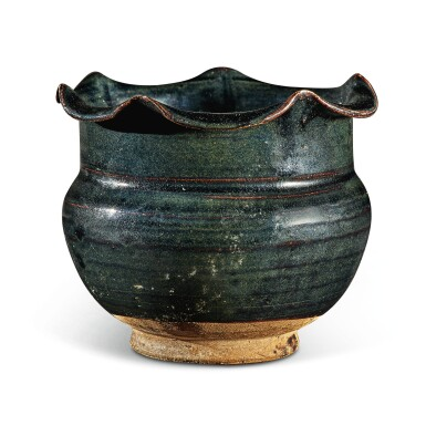 View 2. Thumbnail of Lot 104. A rare black-glazed foliate-rimmed jar, Northern Song / Jin dynasty   北宋 / 金 黑釉花口罐.