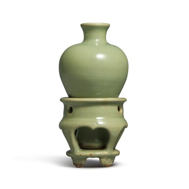 View 3. Thumbnail of Lot 192. A small celadon-glazed meiping and stand, Yuan dynasty   元 青釉小梅瓶連座.