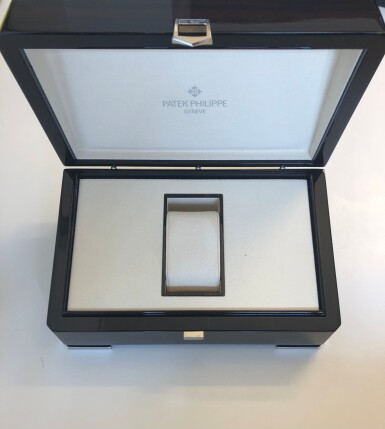 View 6. Thumbnail of Lot 401. Aquanaut, Ref. 5167A Stainless steel wristwatch with date Circa 2018 | 百達翡麗 5167A型號「Aquanaut」精鋼腕錶備日期顯示,年份約2018.