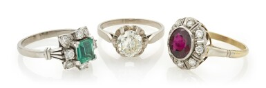 THREE EMERALD, TREATED RUBY AND DIAMOND RINGS (TRE ANELLI CON SMERALDO, RUBINO TRATTATO E DIAMANTI)