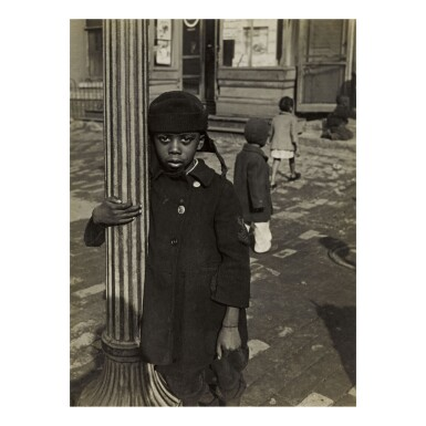 GODFREY FRANKEL | WASHINGTON (CHILD AT LAMP POST)