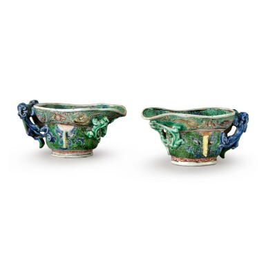 A PAIR OF CHINESE FAMILLE-VERTE 'CHILONG' LIBATION CUPS QING DYNASTY, KANGXI PERIOD | 清康熙 五彩饕餮貼螭龍紋盃一對