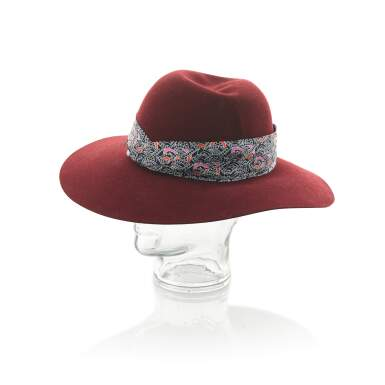 View 3. Thumbnail of Lot 182. HERMÈS | SCARLETT BURGUNDY RABBIT FELT HAT WITH SILK TWILL BANDEAU, 2019 .