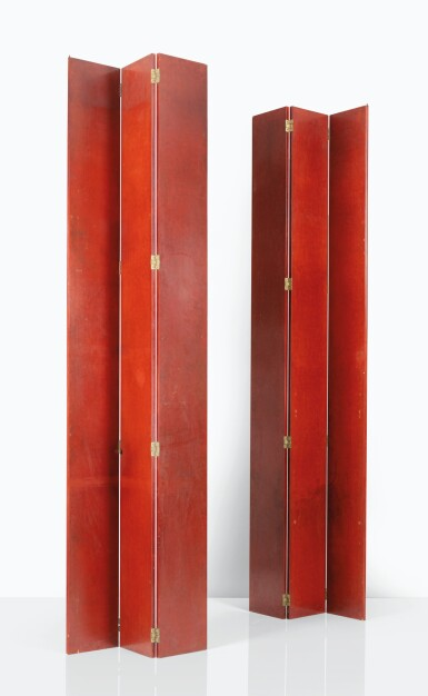 JEAN DUNAND |  A PAIR OF THREE PANEL SCREENS [PAIRE DE PARAVENTS À TROIS FEUILLES]