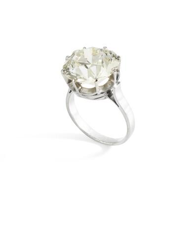 View 2. Thumbnail of Lot 27. BAGUE DIAMANT    DIAMOND RING.