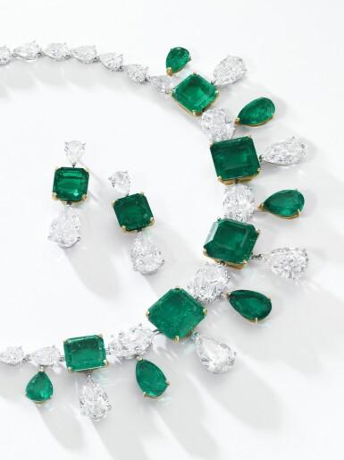 View 4. Thumbnail of Lot 167.  Moussaieff | Impressive emerald and diamond demi-parure | Moussaieff | 祖母綠配鑽石首飾套裝.