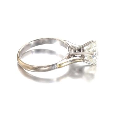 View 2. Thumbnail of Lot 686. Diamond ring | 鑽石戒指.