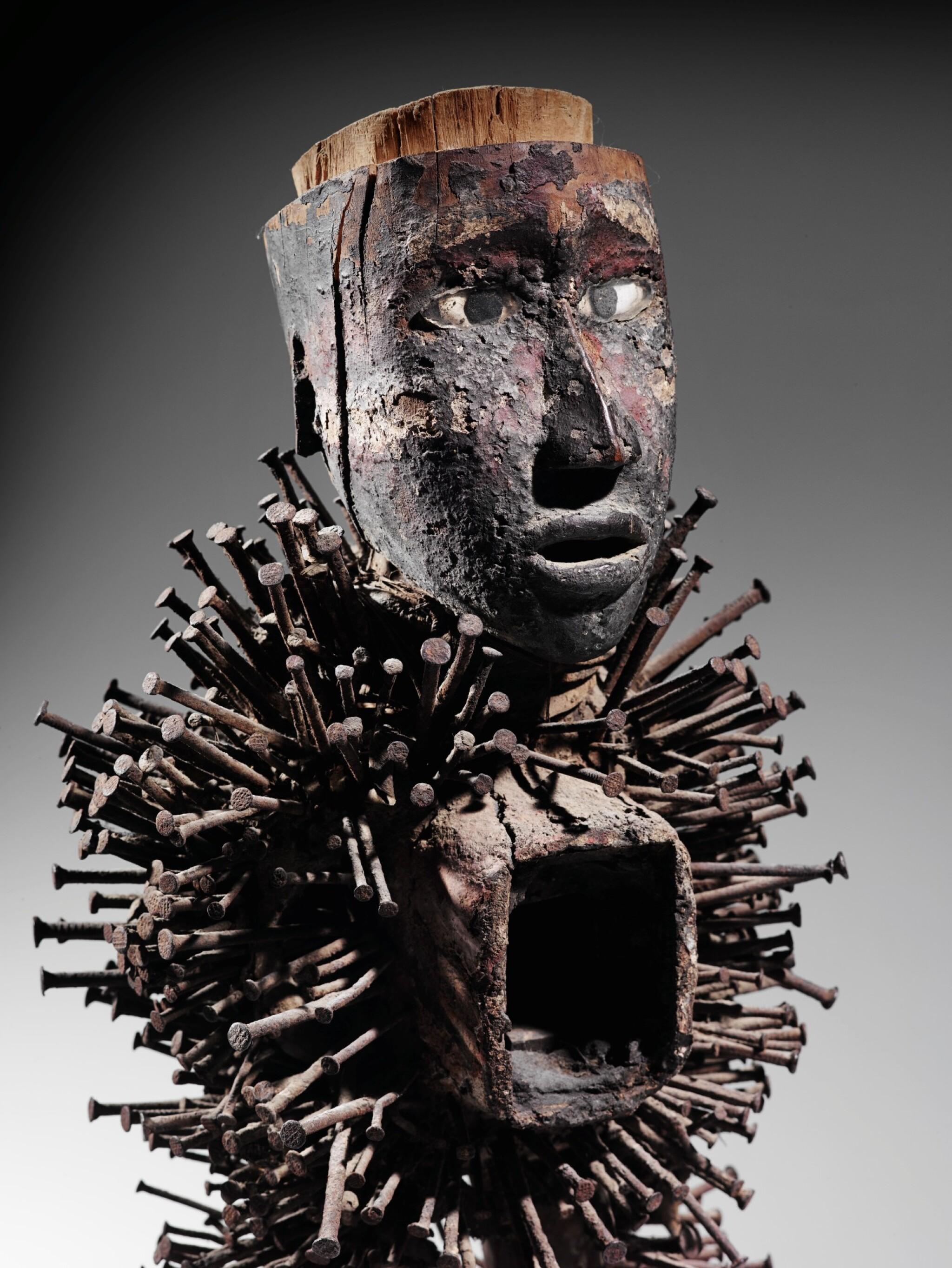 View full screen - View 1 of Lot 46. Statue nkonde, Kongo Vili, République Démocratique du Congo | Kongo Vili nkonde figure, Democratic Republic of the Congo.