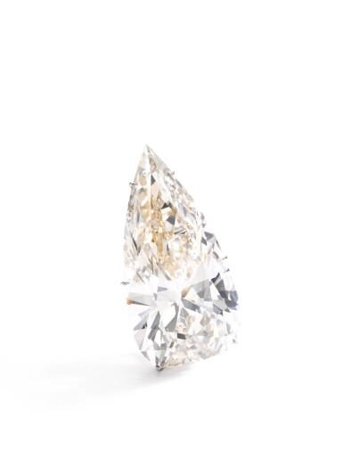 View 2. Thumbnail of Lot 194.  IMPORTANT DIAMOND PENDANT [重要鑽石吊墜].