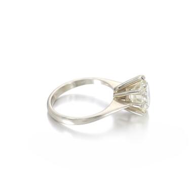 View 2. Thumbnail of Lot 1149. Diamond ring.