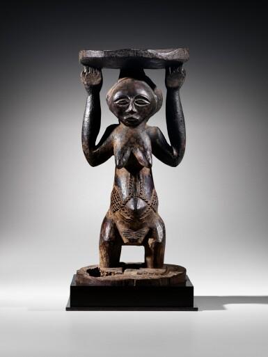 View 8. Thumbnail of Lot 50. Siège caryatide, Hemba / Luba, République Démocratique du Congo | Caryatid stool, Hemba / Luba, Democratic Republic of the Congo.