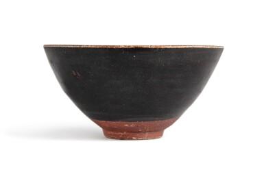 View 4. Thumbnail of Lot 102. A 'Jizhou' 'papercut' bowl, Southern Song dynasty | 南宋 吉州窰剪紙貼花梅花紋盌.