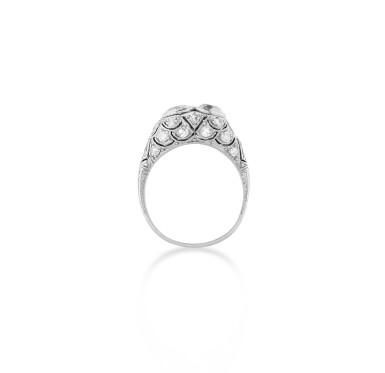 View 3. Thumbnail of Lot 14. Bague diamants | Diamond ring.