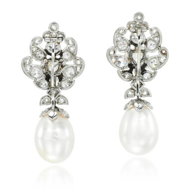 ATTRIBUTED TO CARTIER [傳為卡地亞製] | PAIR OF SUPERB NATURAL PEARL AND DIAMOND EARRINGS, 1930S [天然珍珠配鑽石耳環一對,1930年代]