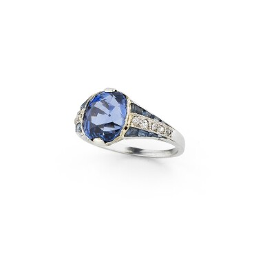 View 1. Thumbnail of Lot 27. Bague saphirs et diamants | Sapphire and diamond ring.