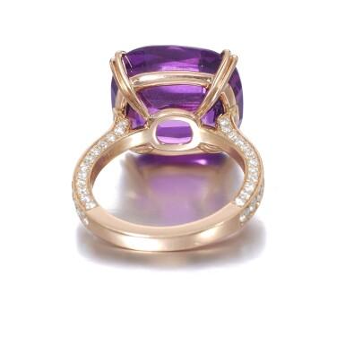 View 3. Thumbnail of Lot 739. Pink-purple sapphire ring | 粉紫色剛玉戒指.