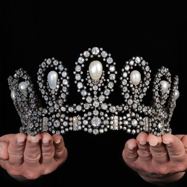 View 14. Thumbnail of Lot 180. Musy | Magnificent and Historic Natural pearl and diamond tiara/necklace, second half of the 19th century | Musy | 天然珍珠配鑽石王冠/項鏈,十九世紀下半葉,具歷史價值.