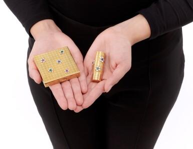 View 4. Thumbnail of Lot 53. Emerald, ruby, sapphire and diamond powder box and lipstick holder (Portacipria e porta rossetto con smeraldi, rubini, zaffiri e diamanti).