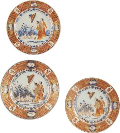 THREE CHINESE EXPORT IMARI 'DAME AU PARASOL' PATTERN PLATES, QING DYNASTY, QIANLONG PERIOD, CIRCA 1740