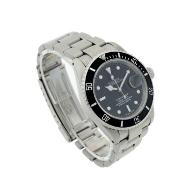 ROLEX   REFERENCE 16610 SUBMARINER  A STAINLESS STEEL AUTOMATIC WRISTWATCH WITH DATE AND BRACELET, CIRCA 2002