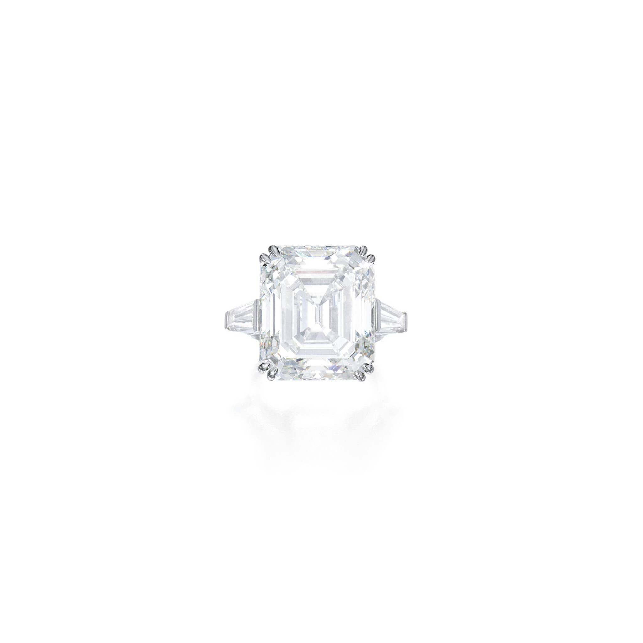 View full screen - View 1 of Lot 444. AN IMPORTANT DIAMOND RING | 鑽石戒指一枚.