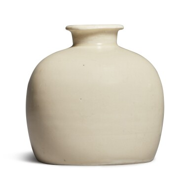 View 2. Thumbnail of Lot 182. A rare 'Ding' 'tulu' vase, Northern Song dynasty | 北宋 定窰白釉小口瓶.