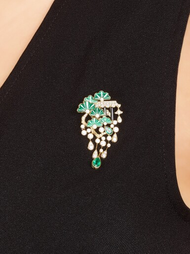 View 5. Thumbnail of Lot 1425. JAMES GANH | 'SECRET GARDEN' GEM SET AND DIAMOND DEMI-PARURE | James Ganh | 'Secret Garden' 寶石 配 鑽石 項鏈及吊耳環套裝.