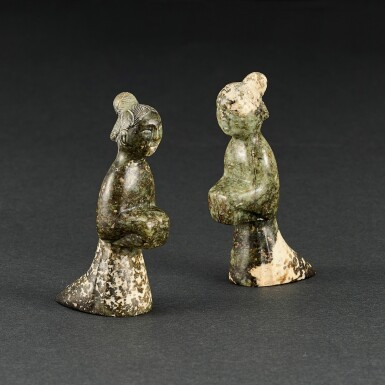 A PAIR OF CALCIFIED CELADON JADE FIGURES OF FEMALE ATTENDANTS HAN DYNASTY   漢 青玉女跪人一對