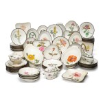 AN EXTENSIVE ASSEMBLED ENGLISH PEARLWARE BOTANICAL DESSERT SERVICE, EARLY 19TH CENTURY