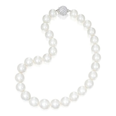 CULTURED PEARL AND DIAMOND NECKLACE | 養殖珍珠配鑽石項鏈