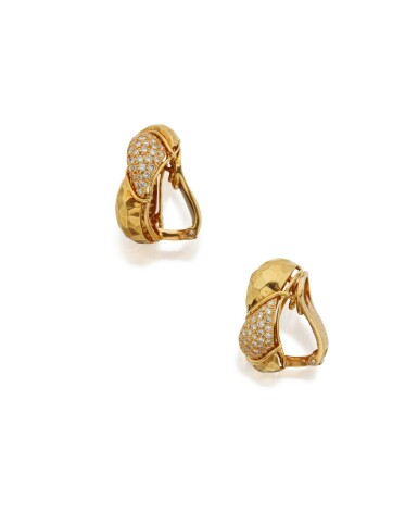 PAIR OF GOLD AND DIAMOND EARCLIPS, HENRY DUNAY