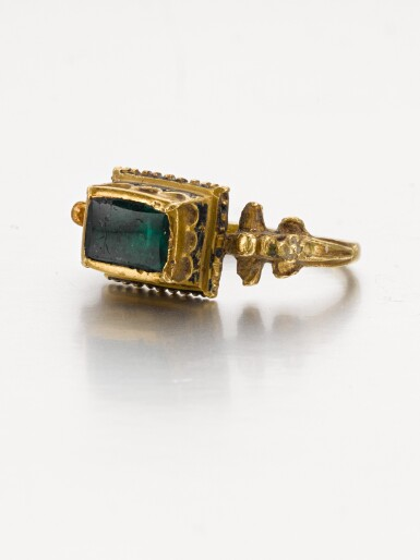 SPANISH OR SOUTHERN GERMAN, LATE 16TH CENTURY | RING
