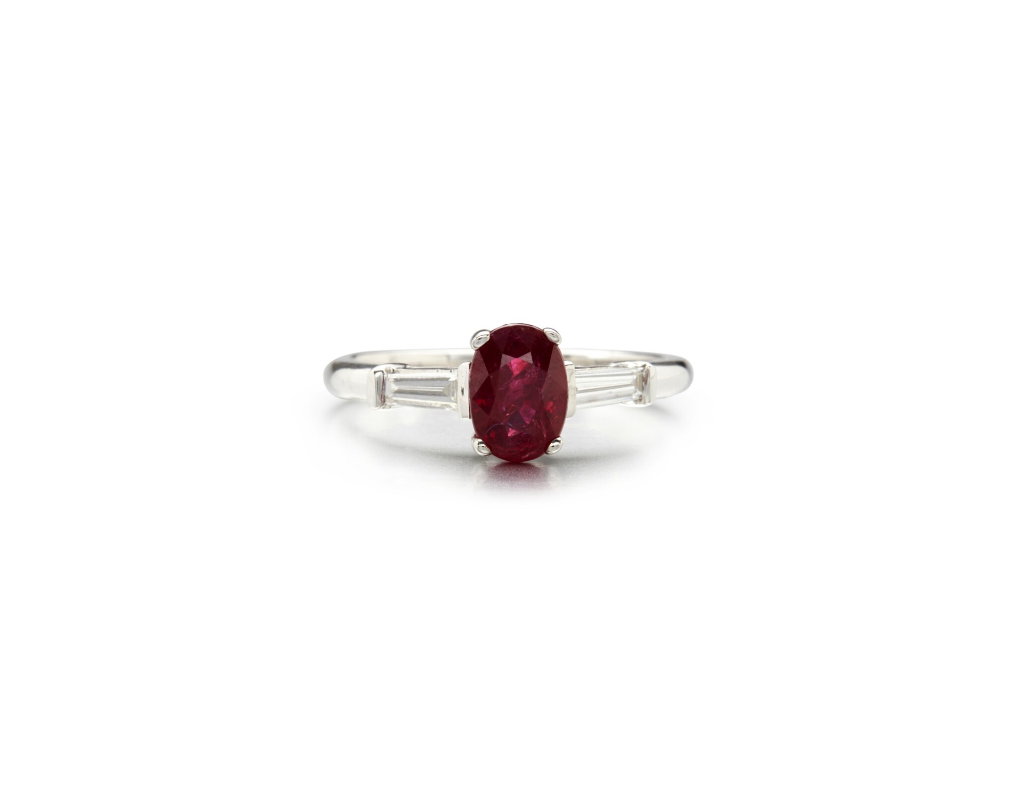View full screen - View 1 of Lot 63. RUBY AND DIAMOND RING.
