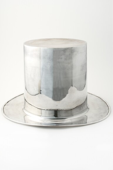 A 'TOP HAT' ICE BUCKET