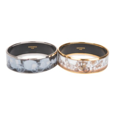 Hermès Set of Two Horse and Carriage Themed Wide Printed Enamel Bracelets Size PM (65)