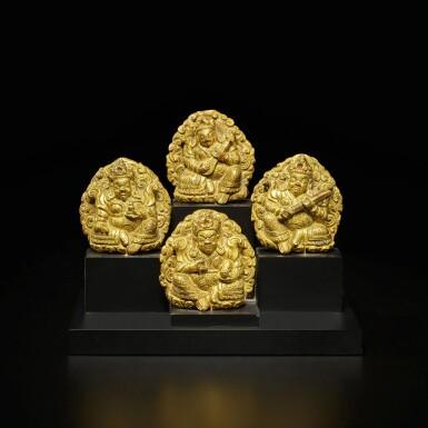 View 2. Thumbnail of Lot 105. A set of four small gilt-bronze 'Guardian King' plaques, Tibet, 16th / 17th century | 西藏 十六 / 十七世紀 銅鎏金四大天王牌一套四件.