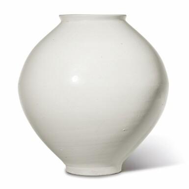 View 3. Thumbnail of Lot 129. A luminous white moon jar, Korea, Joseon dynasty, 18th century | 朝鮮王朝 十八世紀 白釉滿月花罐.