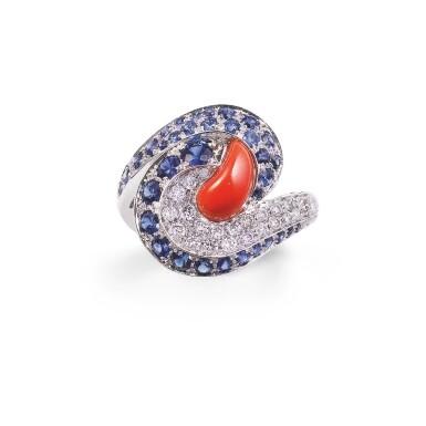 Coral, sapphire and diamond ring [Bague corail, saphirs et diamants]