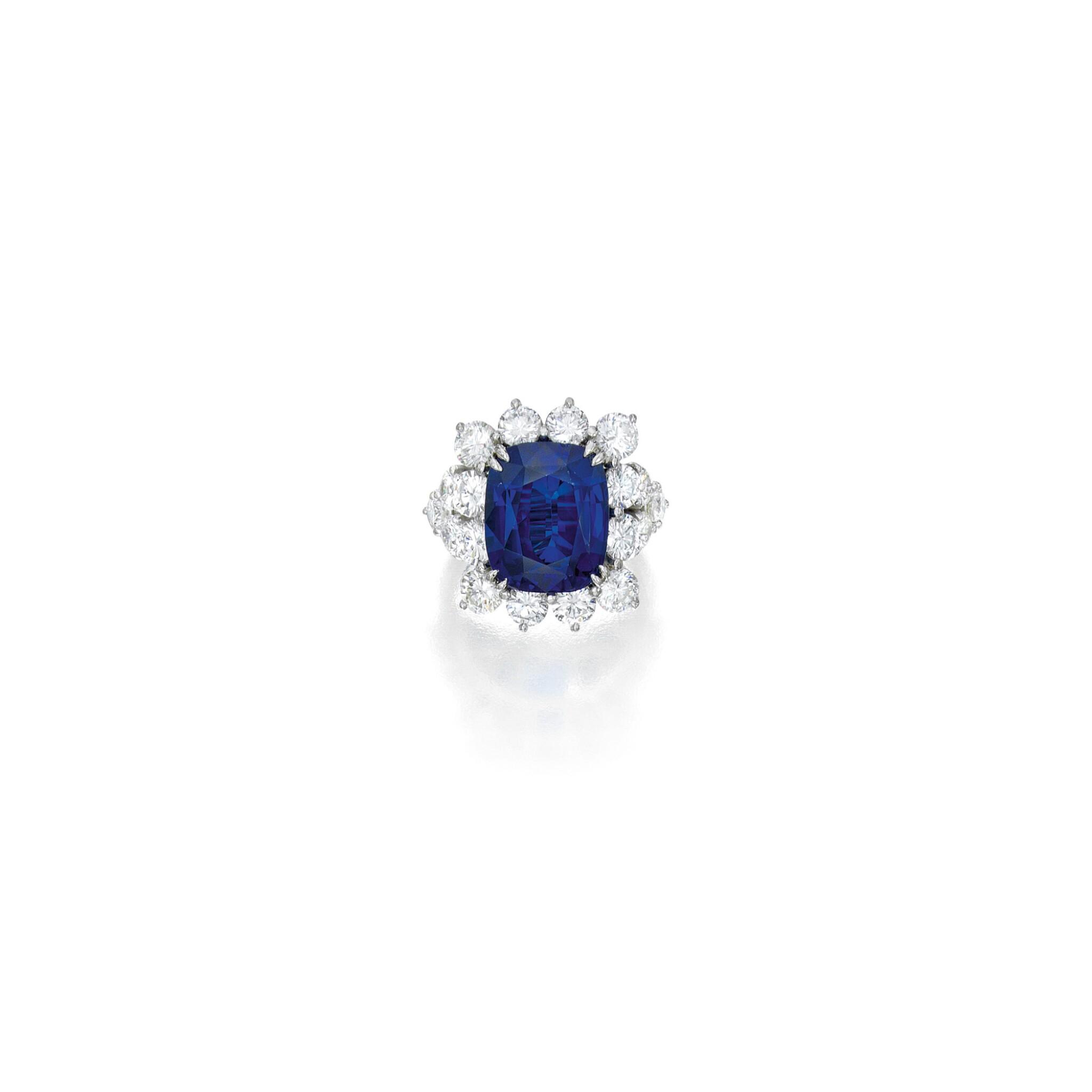 View full screen - View 1 of Lot 536. SAPPHIRE AND DIAMOND RING | 藍寶石配鑽石戒指.