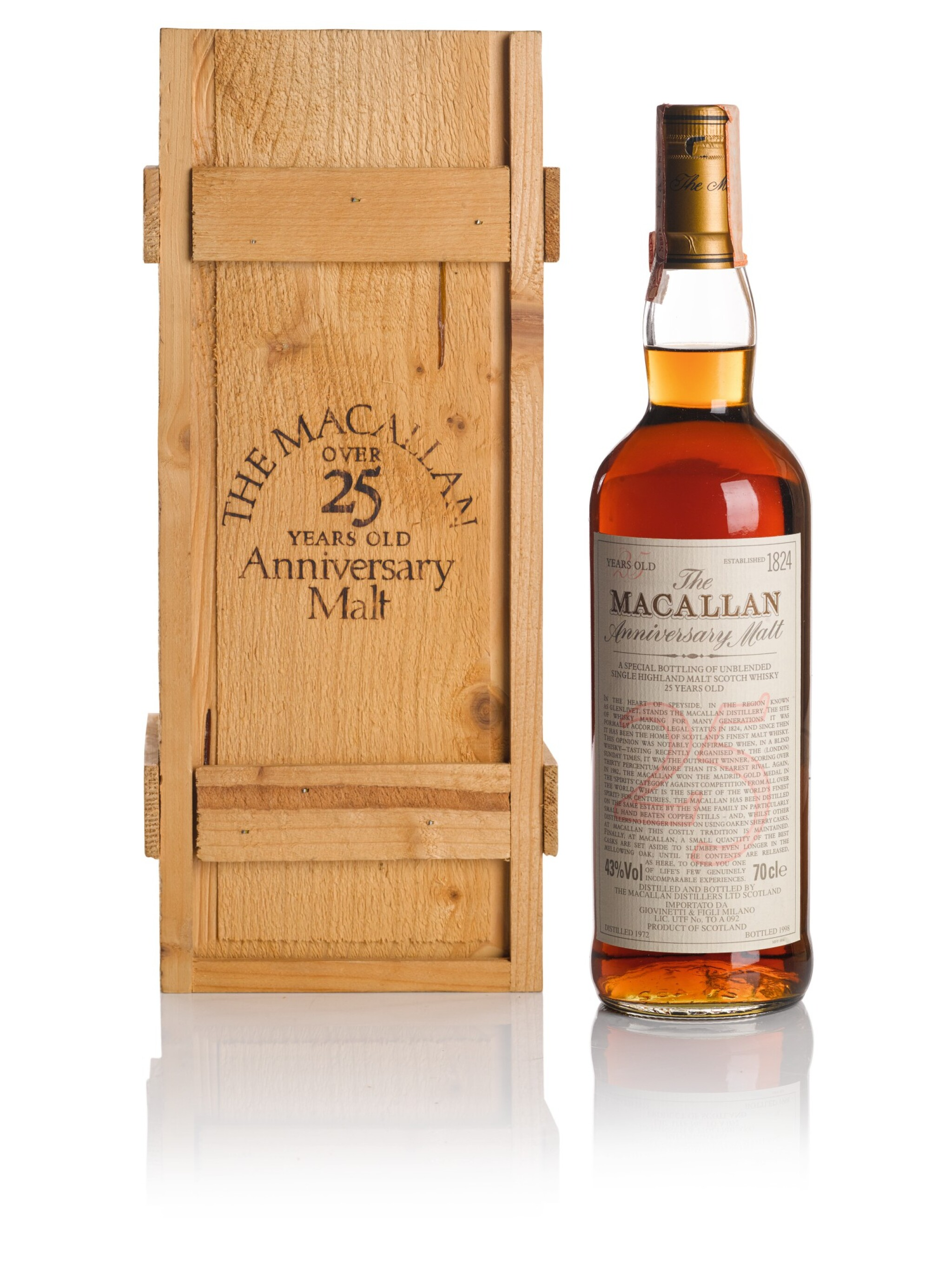 View full screen - View 1 of Lot 39. THE MACALLAN 25 YEAR OLD ANNIVERSARY MALT 43.0 ABV 1972  .