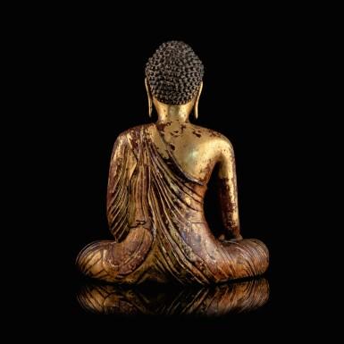 View 3. Thumbnail of Lot 28. Exceptionnelle statue du Bouddha Maravijaya en alliage de cuivre doré Royaume de Dali (937-1253), Province de Yunnan, XIIE siècle | 大理國 十二世紀 鎏金銅合金釋迦牟尼佛坐像 | An exceptional gilt-copper alloy figure of Buddha Maravijaya, Dali Kingdom (937-1253), Yunnan Province, 12th century .