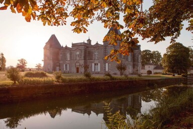 View 3. Thumbnail of Lot 18. ISSAN DISCOVERY: 1 X 9 LITRE ISSAN 2015, WITH LUNCH OR DINNER AT THE CHÂTEAU.
