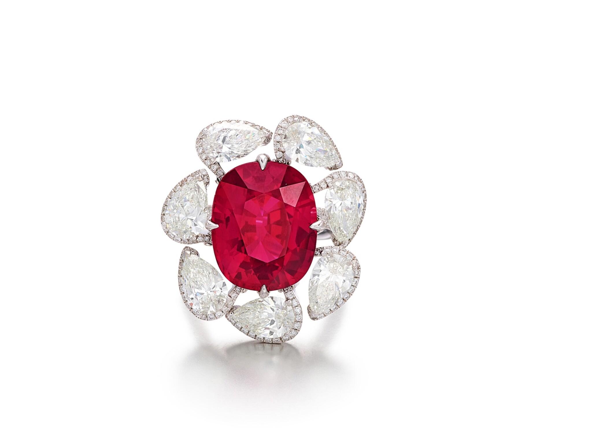 View full screen - View 1 of Lot 1732. Ruby and Diamond Ring | 15.45克拉 天然「馬達加斯加」紅寶石 配 鑽石 戒指.